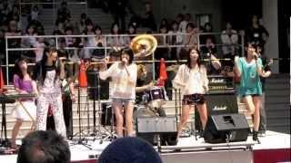 2012/04/29のダイバーシティで行われたしず風&絆~KIZUNA~のライブのリハーサル映像.