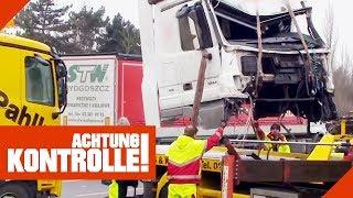 Krasser LKW-Unfall! Abschleppdienst muss die Überreste des LKW bergen! | Achtung Kontrolle