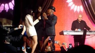 Ne-Yo performing Sexy Love (S.I. Models Jessica Gomes,Damaris Lewis, & Alyssa Miller)