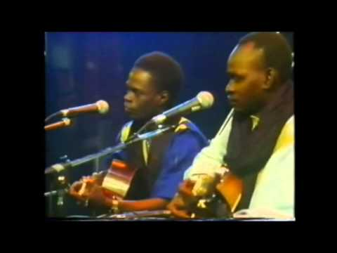 Baaba Maal & Mansour Seck : Laare (Live @ Hackney Empire, 5th November 1988)