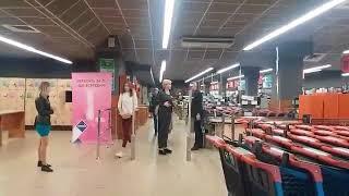 """Посетители супермаркета в ТЦ """"Украина"""" игнорируют оповещение о пожарной тревоге"""