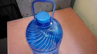 Как быстро сделать ручку на пластиковый бутыль.