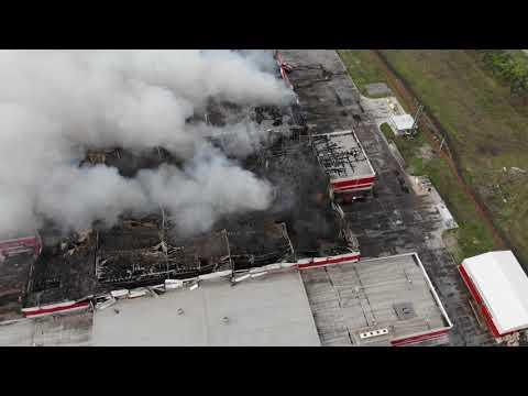 Крупный пожар на складе в Воронежской области