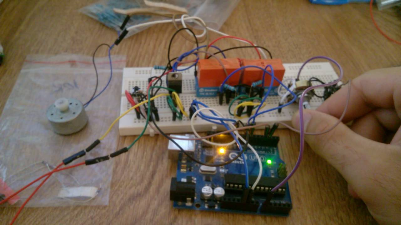 How To Control A Dc Motor With Pwm In Both Directions Without H Electronic Microcontroller Projects Bridge Circuit