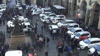 La rivolta dei taxi: no al decreto Milleproroghe e a Uber