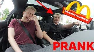 McDonalds PRANK | MITARBEITER FÄHRT MEIN AUTO | RÜCKWÄRTS IM DRIVE