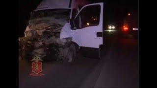 ДТП в Красноярском крае КАМАЗ врезался в автобус