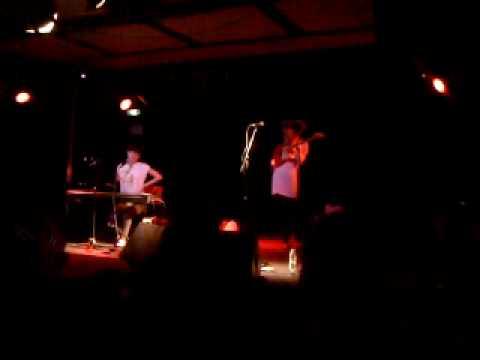 Taxi Taxi! perform