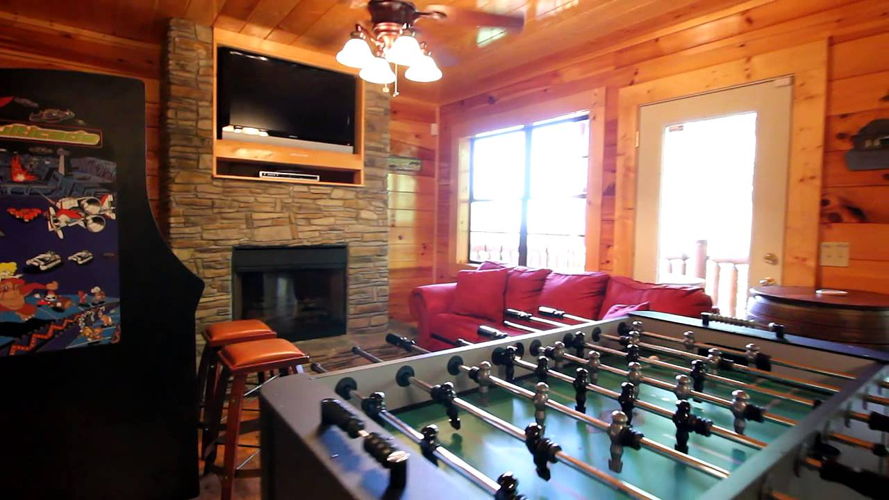 Arizona east luxury pigeon forge cabin rental with pool for Az cabin rentals with hot tub