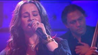 Trijntje Oosterhuis - Omarm  - RTL LATE NIGHT