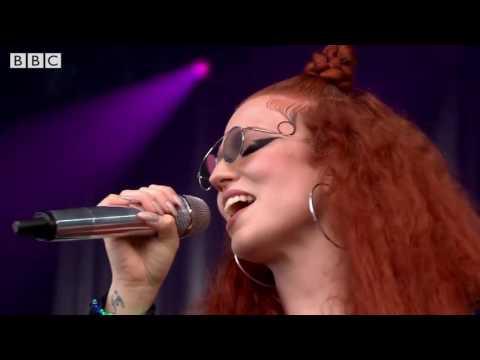 Jess Glynne  - Glastonbury 2016 - Don't Be So Hard On Yourself