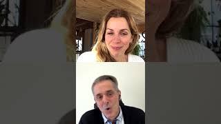 Tellement intéressant Avec @jeanyves.dionne Top moment. Vous voudrez tout écouter : de la vitamine D au journal alimentaire en pensant par le gluten, le jus ...