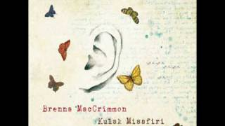 Brenna MacCrimmon - Şemsiyemin Ucu Kare.wmv
