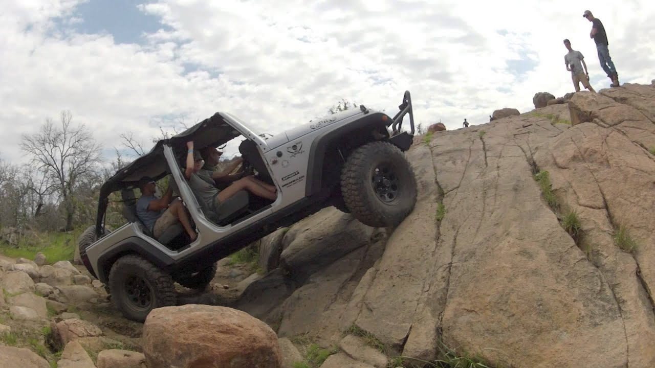 Jeep Rock Crawler Renny And Demara39s Jeep Jk Rock Crawling Youtube