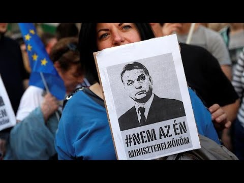Hungary: Tens of thousands in anti-Orban protest