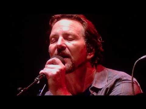 Glen Hansard & Eddie Vedder - Falling Slowly