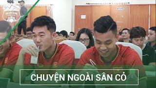 Không nhịn nổi cười khi thầy Park và Xuân Trường -  Văn Thanh cùng uống sữa   HAGL Media