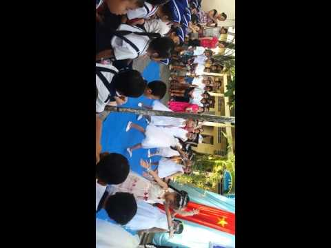 Múa gặp mẹ trong mơ học sinh lớp 1 trường tiểu học phường 6.2 TP Cà Mau