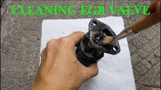 How to Clean EGR Valve // Honda CRV , Honda Civic R20A1