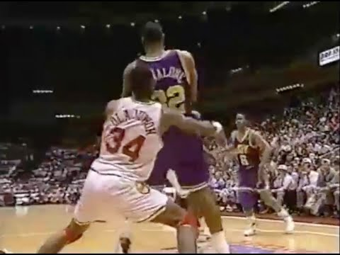 hakeem-shuts-down-karl-malone---1994-wcf-game-2