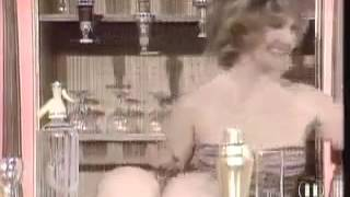 Büyük Göğüslü Kadın Şakası (big boobs women funny)