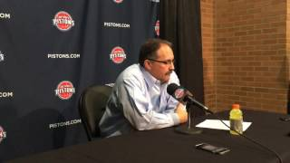 SVG reacts to Pistons