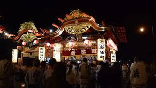 稲村橋に集合した10台の屋台は揃って桝形行事に向かいます。