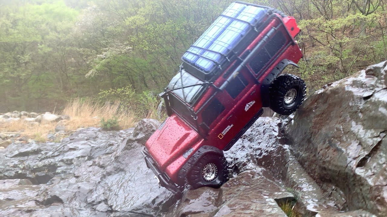1/10 Scale RC : TRAXXAS TRX4 Defender Rock Crawling(Rainy Day) #16.