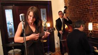 Sarah King and the Smoke Rings - It Don