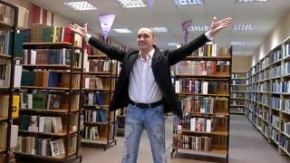 Центральная муниципальная библиотека г. Мирный Арх. обл.  В.Маяковский