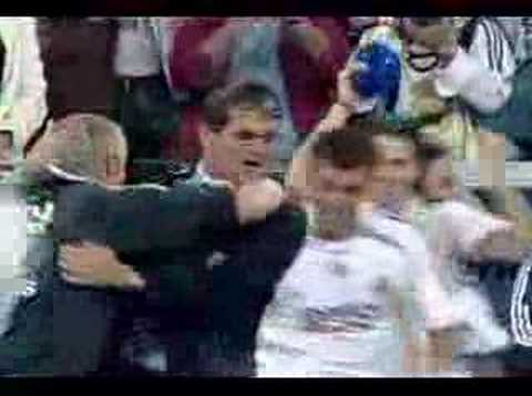 Real Madrid champion 06/07- Marcelo throwed water at Capello
