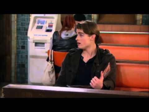 Sophie reacts to Irish accent - 2 Broke Girls