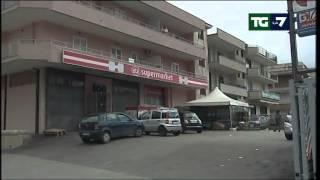 Napoli, rapina al supermercato: i banditi erano due carabinieri. Un morto