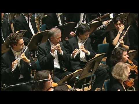 Magali Mosnier plays the solo of flute from Ravel's Daphnis et Chloé
