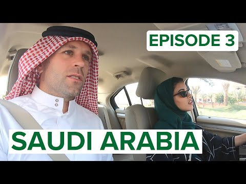 DRIVING with a SAUDI WOMAN (+ local food!) 🇸🇦ترجمة عربية INSIDE SAUDI ARABIA #3