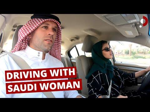 DRIVING With A SAUDI WOMAN (+ Local Food!) 🇸🇦ترجمة عربية INSIDE SAUDI ARABIA #3