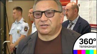 Смотреть Режиссер Игорь Угольников проголосовал на избирательном участке в Жуковском онлайн