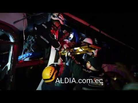 10 fallecidos  en choque de buses en vía Jujan