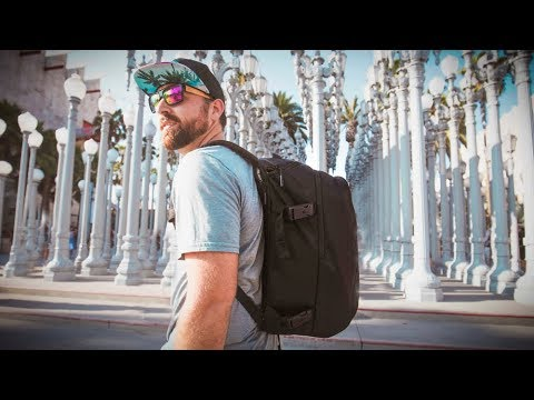 CAMERA BACKPACK that is AWESOME - Incase DSLR Pro Pack