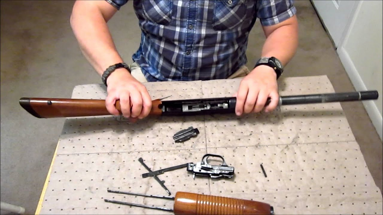 mossberg 500 detail strip hd disassembly youtube rh youtube com Mossberg 500 Bullpup Mossberg 500 Home Defense
