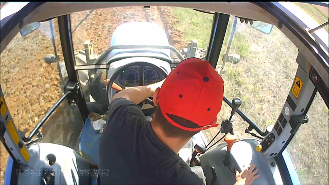 Cab view new holland T5050