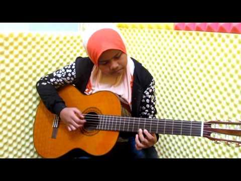 448) AININ SOFIYA CLASSICAL GUITAR COVER) - MELODY IN E MINOR NO 1 - LAN MODAR