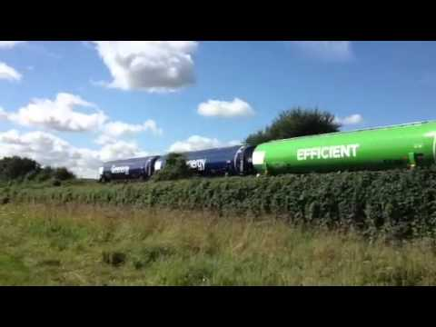 (HD) NEW Green Energy Wagons Passing Otford Field