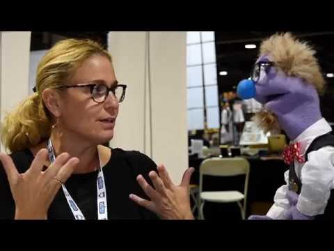 That time voice actress Susan Eisenberg talked to a puppet at the 2016 Long Beach Comic Con.