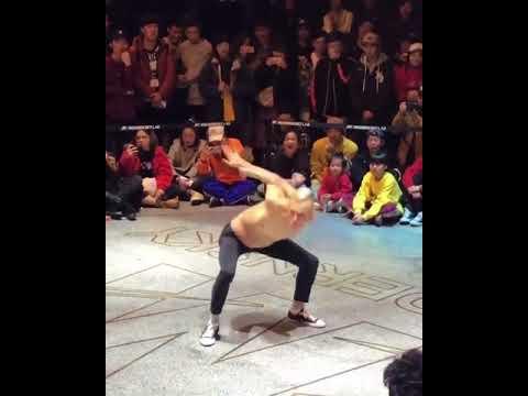 Mihail Makarov Dance - What Just Happened 👽👽👽