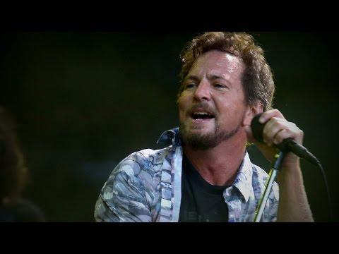 Eddie Vedder covers John Lennon's 'Imagine'