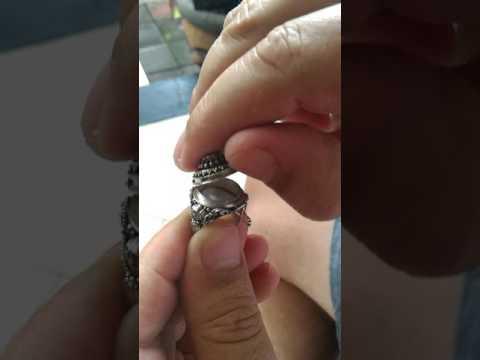 925 Silver Bali Poison Ring with Garnet Stone LR-743