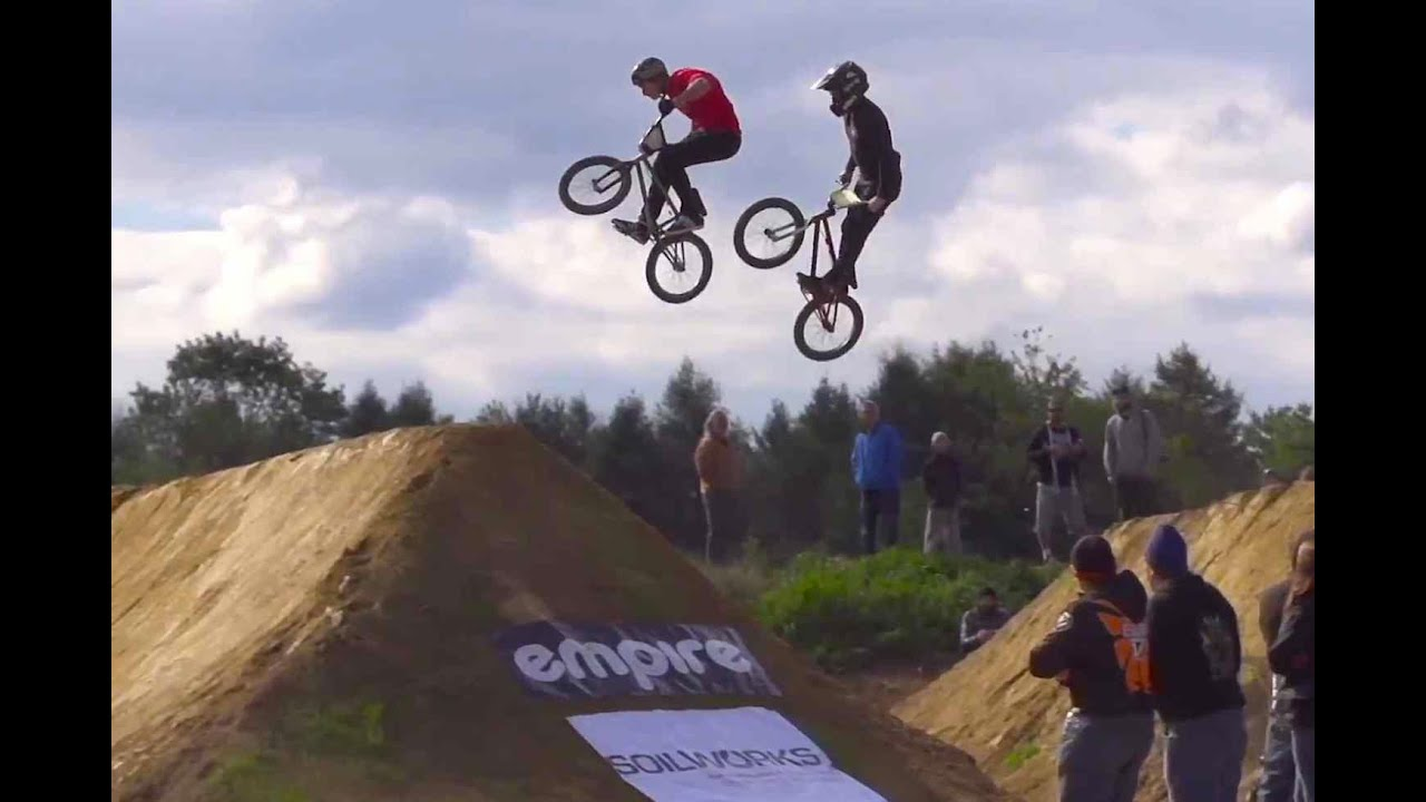 head to head bmx dirt jump racing tra double cross youtube