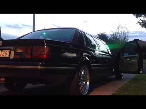 Limelight Limo: Ford LTD V8, exhaust demo