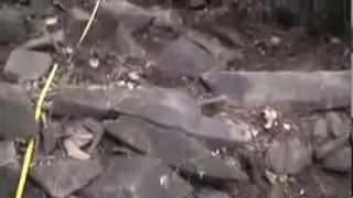 STRUKTUR TERASERING SISI TENGGARA GUNUNG PADANG CIANJUR